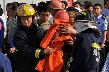 山东招远事故金矿被困人员全部升井