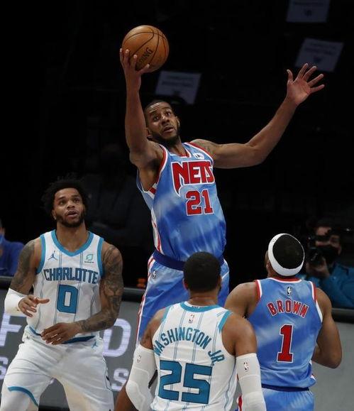 传奇阿德是NBA历史仅有的25名19000分8000篮板球员之一