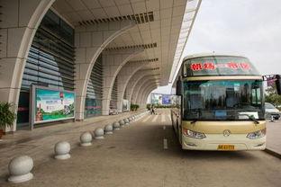 从南宁火车站去飞机场,在哪里坐机场大巴 大概需要坐多久 大巴是隔多少时间发车的
