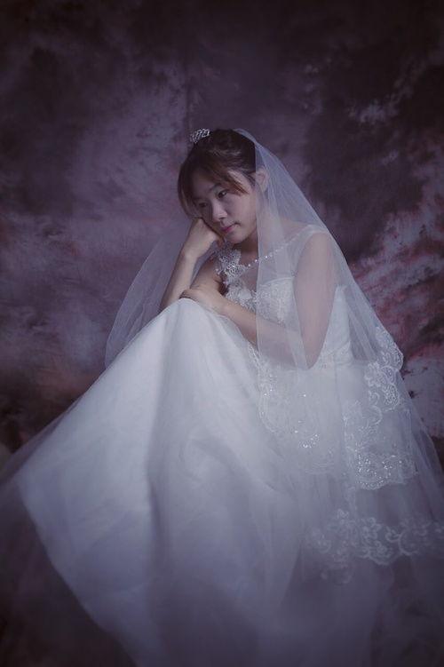 第一次穿婚纱话语