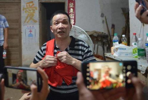 6日晚,记者采访了张玉环的哥哥张民强及代理律师尚满庆.