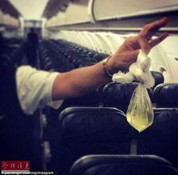 空姐晒乘客不文明行为旅客乘飞机带孩子在机舱大便