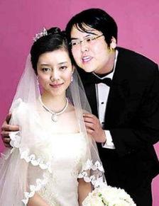 开200辆豪车娶老婆,2年被分走3亿,如今花再花千万娶女星