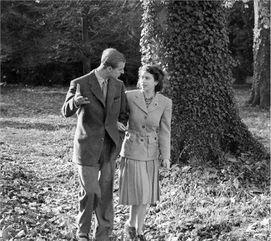 1947年,伊丽莎白二世与菲利普亲王结婚。