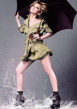 滨崎步为160年英国老品牌代言 海报帅气