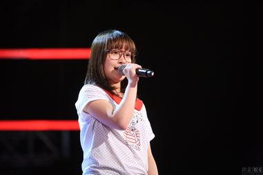 徐海星站在《中国好声音》舞台上