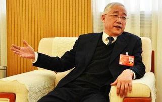 全国政协委员、安徽省政协原副主席李宏塔接受人民网记者。(