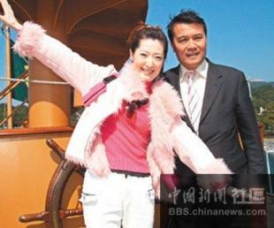 亚洲激情波霸美女杨思敏以三级片 新金瓶梅 在香港打响名号