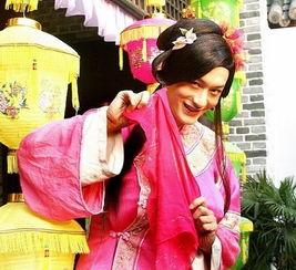 组图岳云鹏男扮女装画面太美你敢不敢看