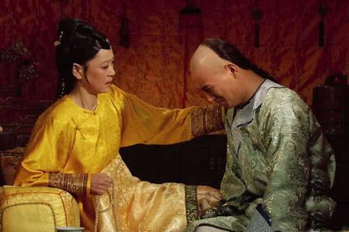 七、太后支持甄嬛重新回宫太后虽然对皇后包庇纵容,但皇上膝下子嗣不多,甄嬛好不容易怀孕,对于皇家来说,是不能错失的.