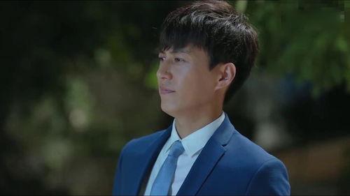 2.《恋爱先生》,靳东饰演程皓,程皓是一个高端牙医诊所的创办人,众人眼中的高富帅。