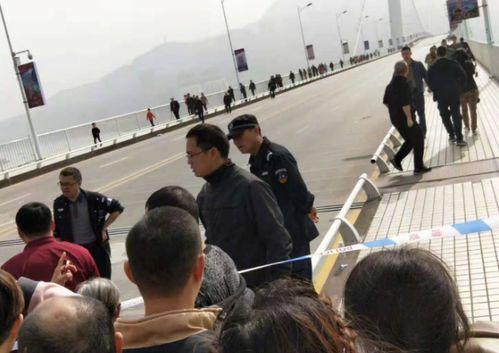 应急管理部指挥调度重庆万州公交车坠江事故救援处置中