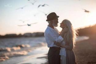 趣新闻银发夫妇拍浪漫写真这大概就是爱情的模样吧