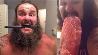 WWE黑羊罕见视频漏出 吃生肉练举重揍人狠的黑羊居然还会这样...