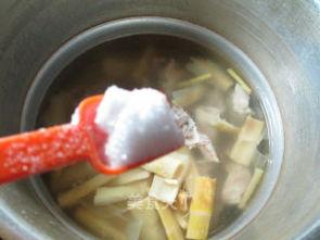 羊尾笋龙骨汤的做法 羊尾笋龙骨汤怎么做 花鱼儿的菜谱