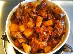 土豆炖鸡翅怎么做