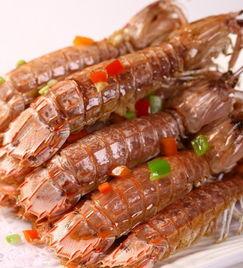 英姐家厨师最擅长的是油爆基围虾,三亚的