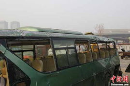 郑州富士康班车车祸致7死 目击者称常闯红灯 图