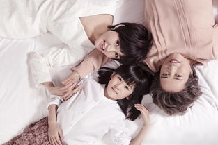 鲍蕾晒与母亲女儿合照 祖孙三代都这么美
