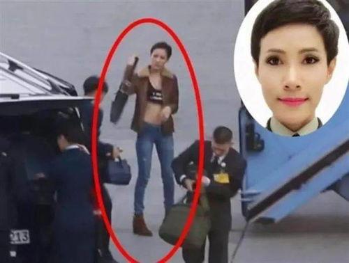 综合外媒报道,泰国国王玛哈·哇集拉隆功在诗妮娜贵妃8月28日周五出狱当天,提前命人打扫了沿途