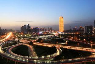 郑州中原第一高楼酷似玉米棒