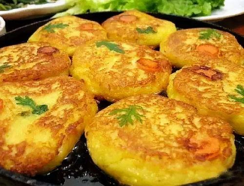 土豆饼这样做最好吃,不用加面粉,改用它,饼不干不硬香软美味  没有面粉怎么做土豆饼