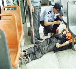 小伙1小时 饿晕 2次 骗局被戳穿威胁记者