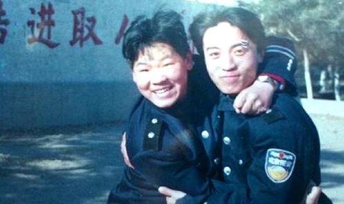 1999年,岳云鹏在北京石景山电机厂当保安
