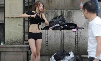 网店模特街拍当街脱衣换装频道凤凰网